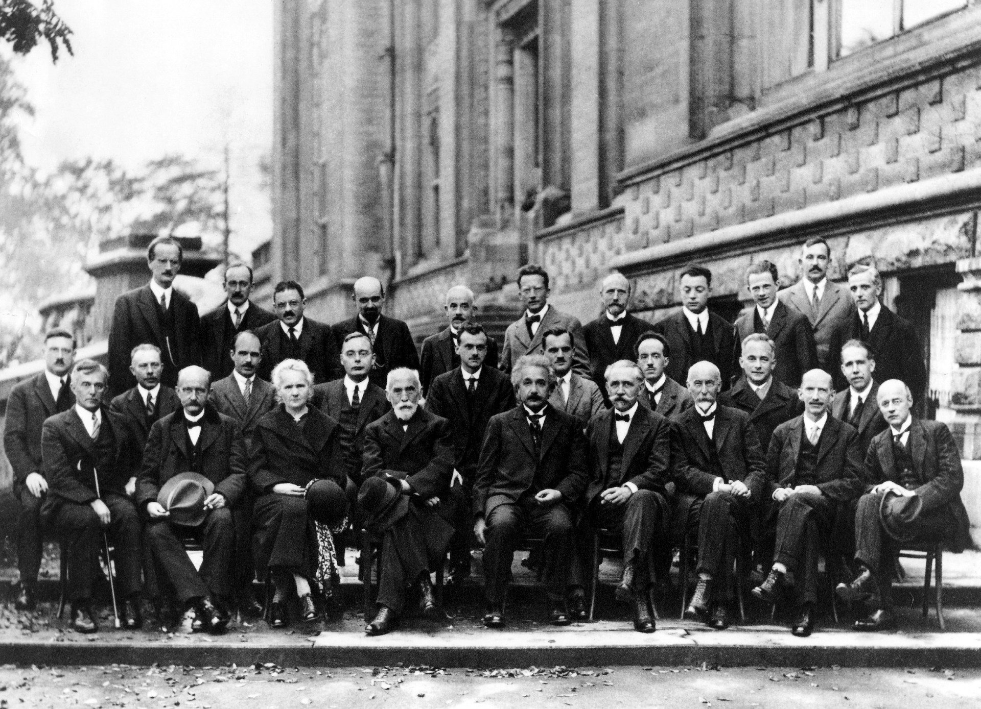 Schwedische Wissenschaftler behaupten: Newton, Einstein und Hawking waren Schweden